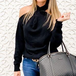 Criss cross black sweater